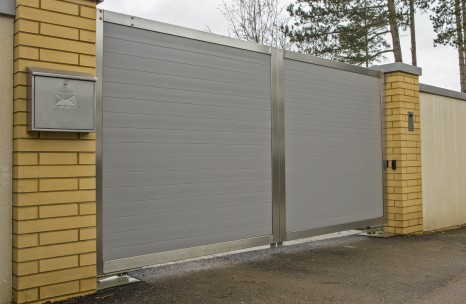 Aluminium gates with steel frame