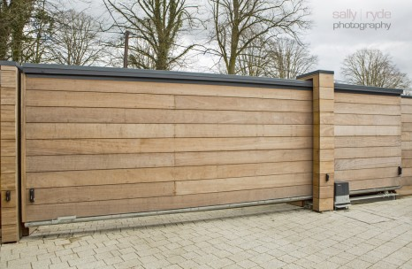 Automated timber clad cantilever gate